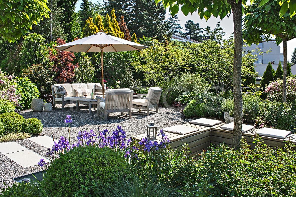Referenz sitzplatz zum wohlf hlen parc 39 s gartengestaltung for Gartengestaltung schatten