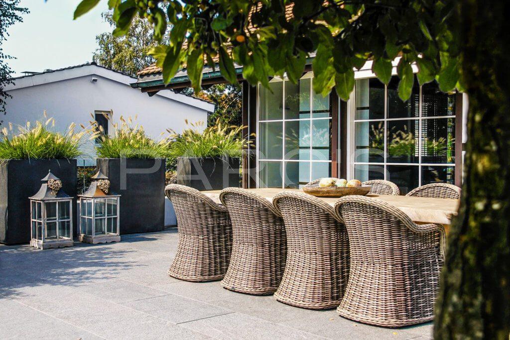 Beliebteste-Referenzgaerten-Wohnliche-Terrassengestaltung-2