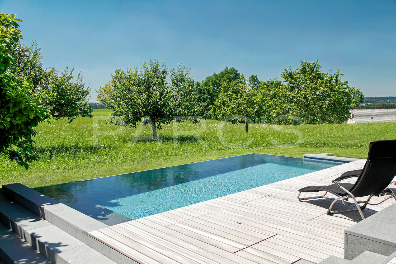 Fesselnd Infinity Swimming Pool Garten 1