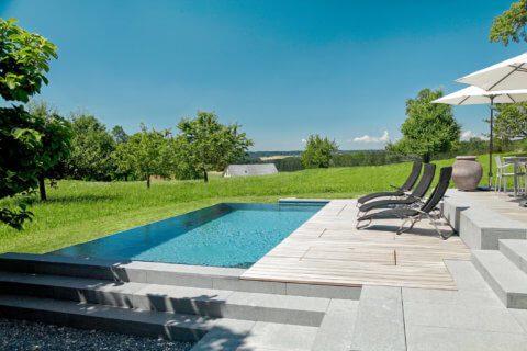 Infinity-Swimming-Pool-Garten-2