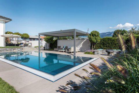 Wohnlicher-Garten-mit-Pool-6