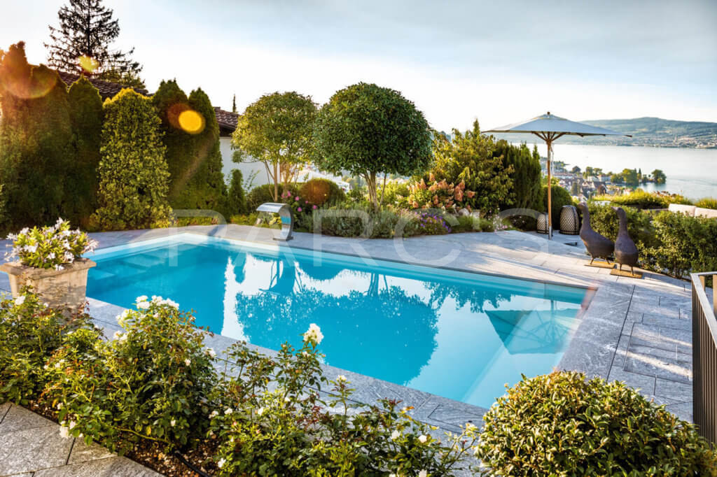 Garten-mit-Pool-und-Seesicht-7